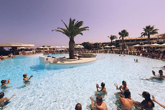 MagicLife_CandiaMaris_Main_Pool_Show  Schalalalalaaaa! Cluburlaub! MagicLife CandiaMaris Main Pool Show